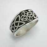Celtic Dara Knot with 4 Interlocking Triangles