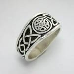 Celtic Dara Knot with 3 Interlocking Triangles in Circle