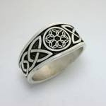 Celtic Dara Knot with 6 Interlocking Triangles in Circle