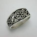 Celtic Dara Knot with 6 Interlocking Triangles in Circle-Pierced