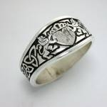 Antiqued Sterling Silver Celtic Triangle Knot with Ramped Lion Claddagh